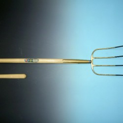 Mestvork 4 tands brons met 150 cm. steel